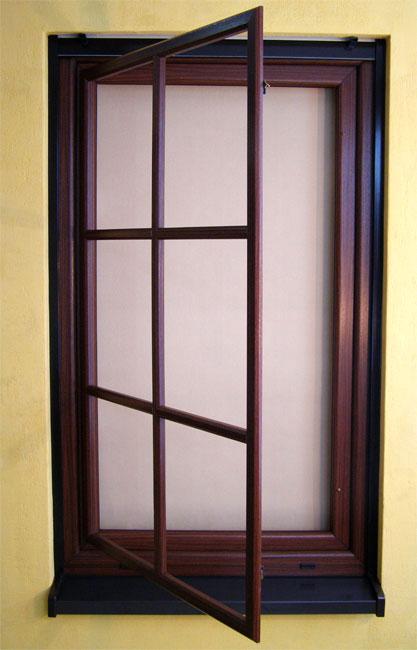 Szpros nakładany na skrzydło okna fot. Szkłopol Gliwice
