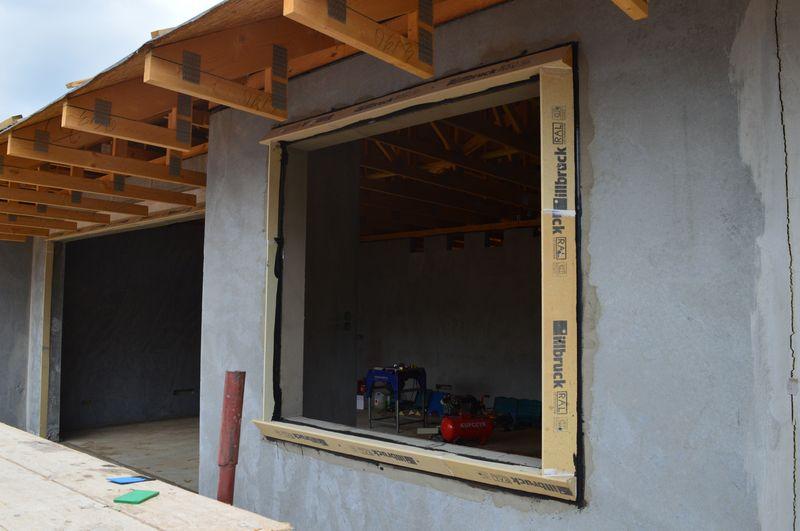 illbruck MOWO - rama nośna gotowa do montażu okna poza licem muru