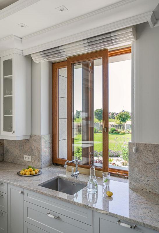 Okno uchylno-przesuwne w kuchni - fot. Vetrex