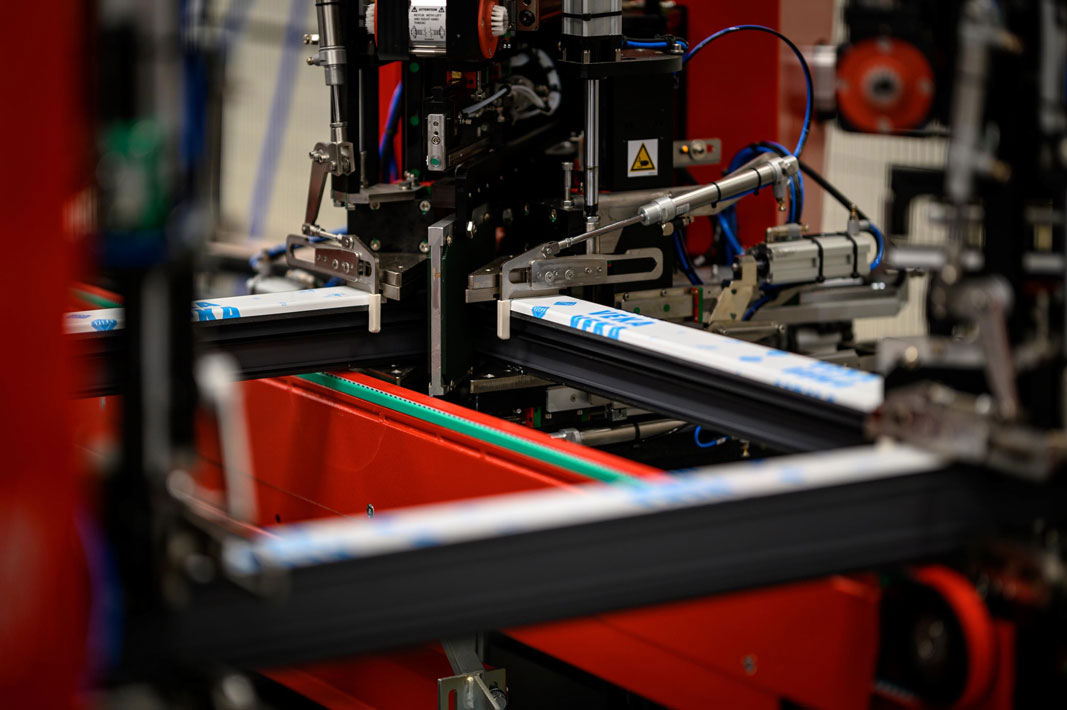 Fot. Vetrex - czterogłowicowy robot zgrzewający SL4-FF EVO
