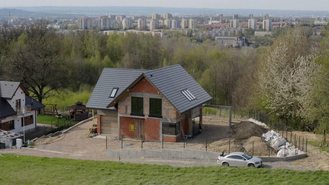 Dom z widokiem na Kraków, w którym firma Novobudowa wykonała montaż