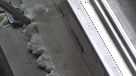 Doszczelnianie elementu wspornikowego progu drzwi balkonowych HST