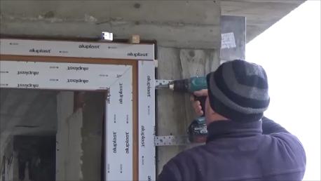 Mocowanie wsporników bocznych do drzwi balkonowych HST