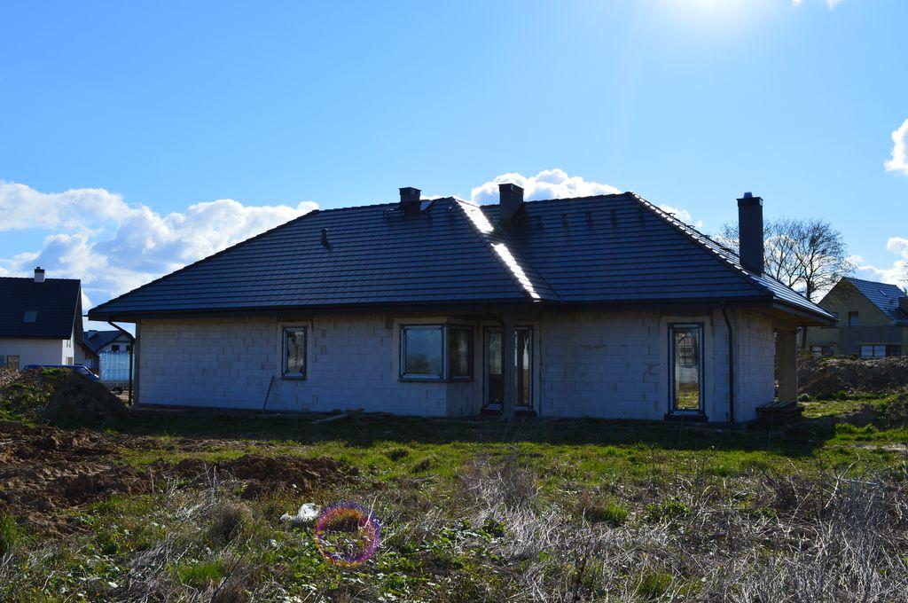 Dom jednorodzinny w którym, zamontowano drzwi przesuwne AdamS Passiv Corner View.