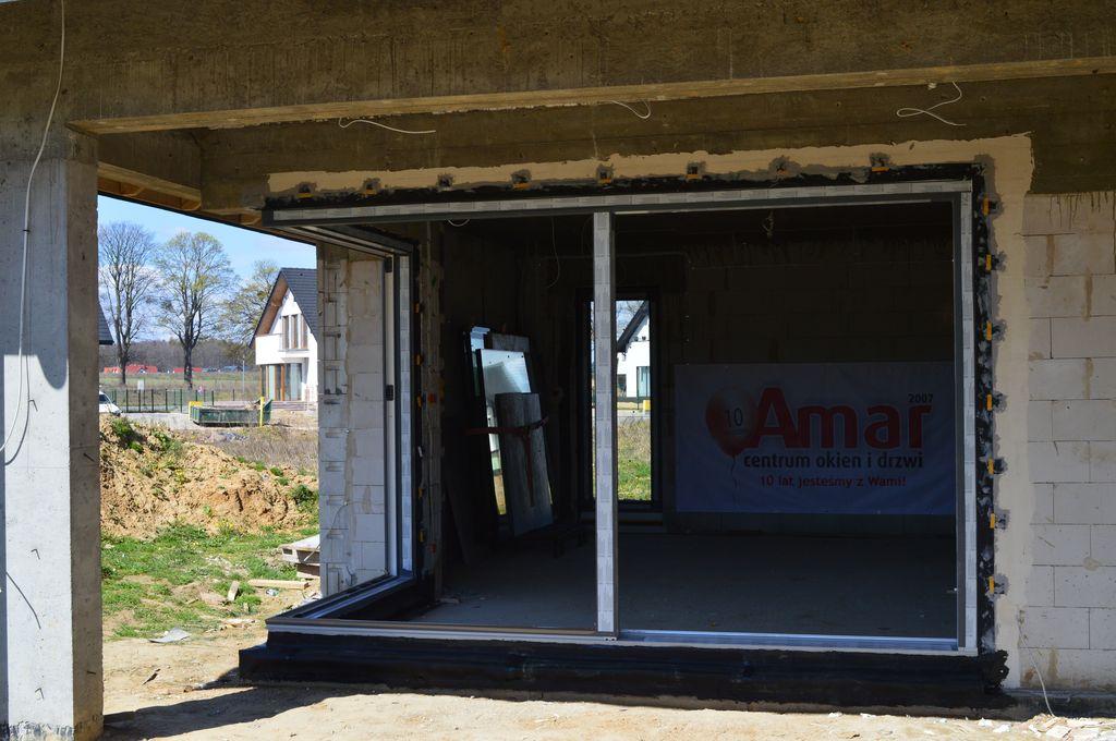 Zamontowana rama ościeżnicy drzwi tarasowych AdamS HST Passiv Corner View
