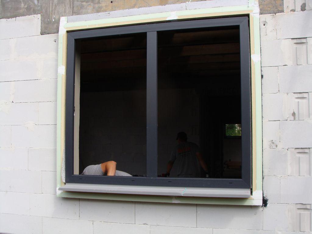 Pozycjonowanie okna AdmaS Passiv-line Plus w ramie nośnej ISO-TOP WINFRAMER