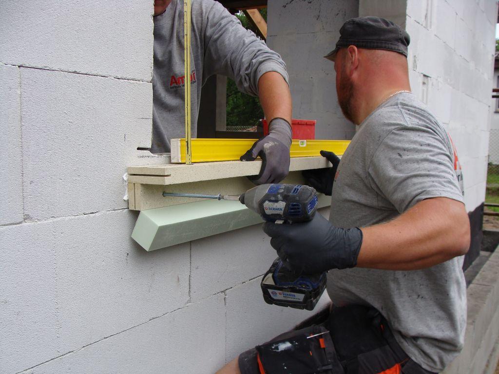 Mocowanie mechaniczne ramy nośnej ISO-TOP WINFRAMER do muru konstrukcyjnego