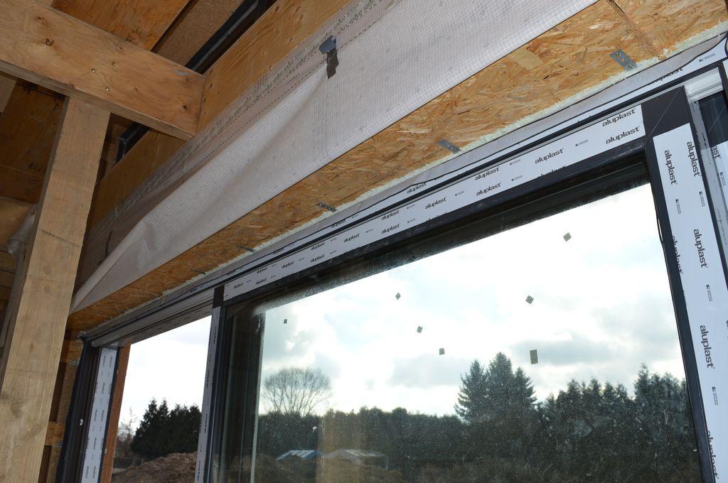 Mocowanie mechaniczne ościeżnicy drzwi balkonowych HST Passiv 85 do ościeża przy użyciu kotew stalowych