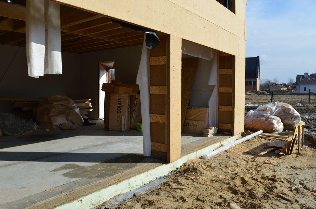 Budynek szkieletowy drewniany, otwory ościeży nieprzygotowane do montażu