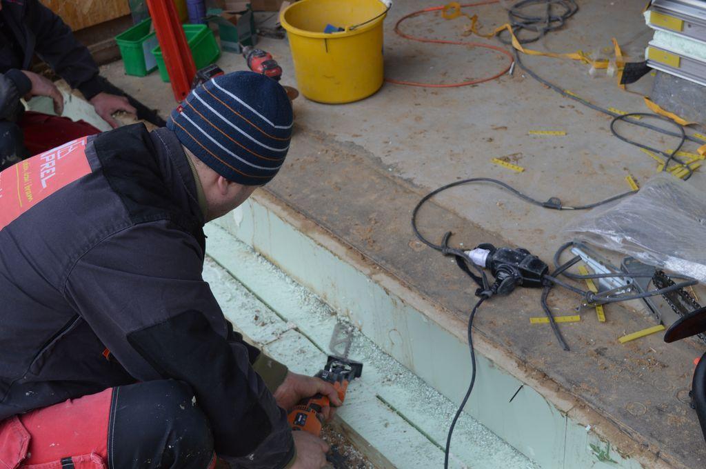 Usuwanie termoizolacji płyty fundamentowej