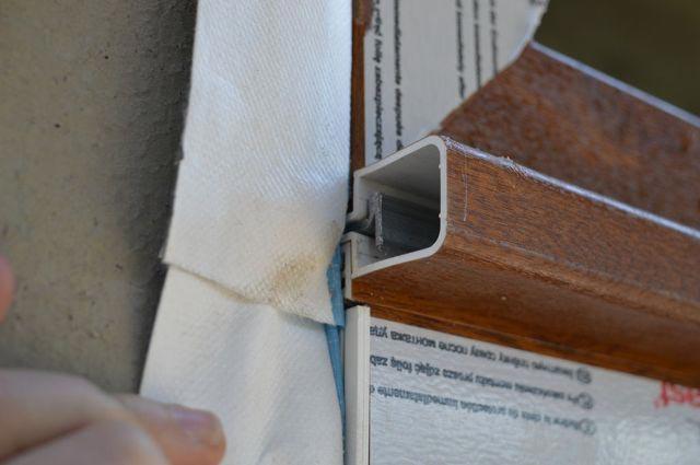 Połączenie nadświetla z konstrukcją drzwi balkonowych HS Passivline Premium przy użyciu łącznika statycznego - detal połączenia
