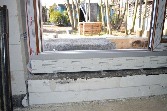 Połączenia okna HS z konstrukcją budynku za pomocą kotew stalowych