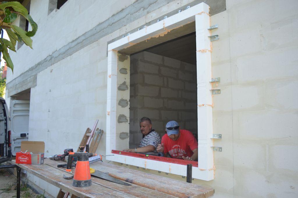 3. Rama nośna wykonana w systemie montażu okien w warstwie ocieplenia CBM