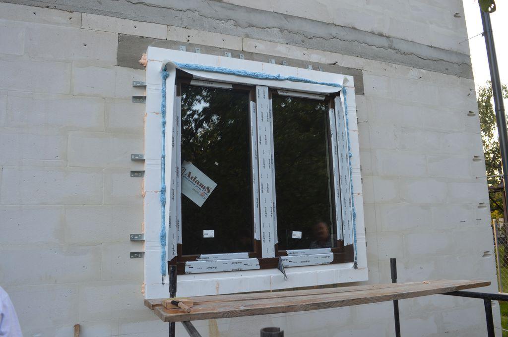 4. Okno Passiv-line PLUS zainstalowane w ramie nośnej wykonanej w systemie montażu okien w warstwie ocieplenia CBM.