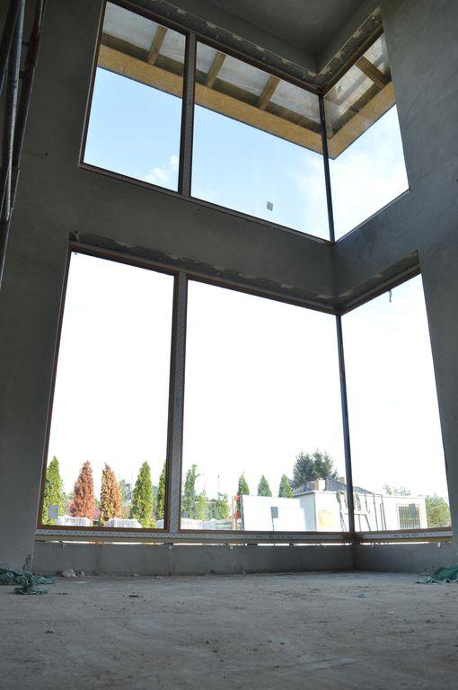 Narożne konstrukcje okienne z PVC-U z oszkleniem glasscorner