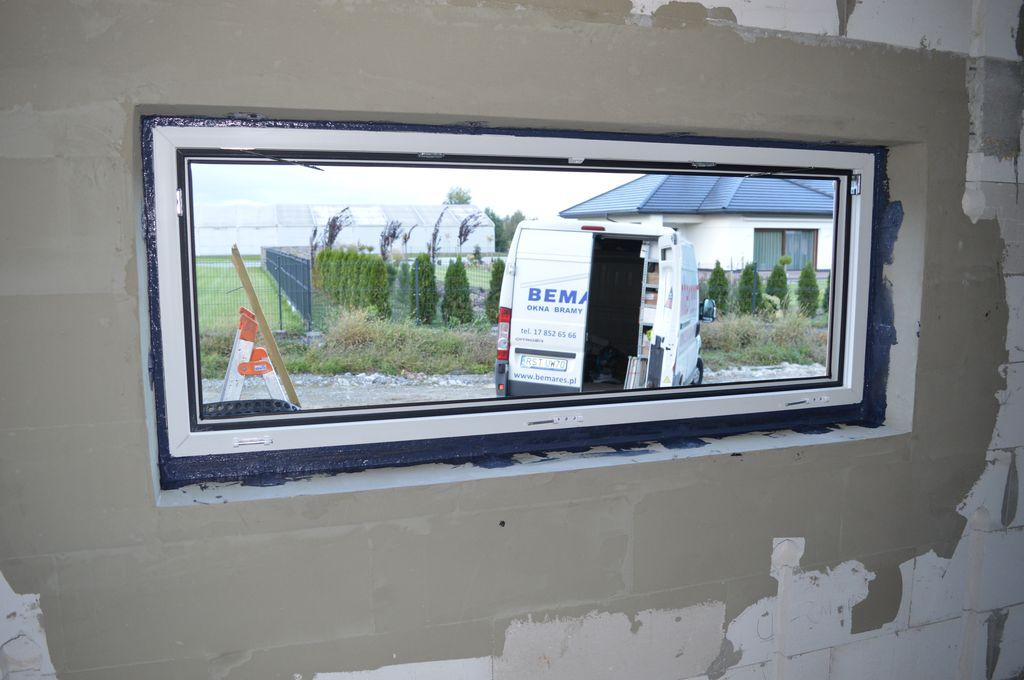 Okno z uszczelnieniem wewnętrznym wykonanym przy użyciu powłoki SOUDATIGHT LQ