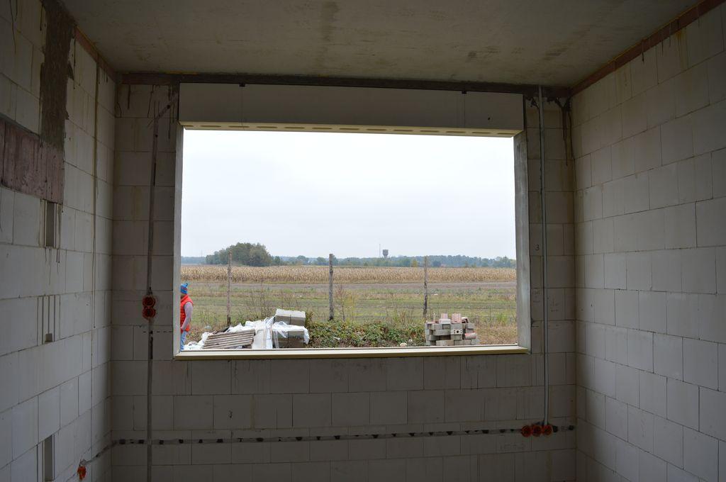 2. Termo-BELKA – element systemu montażu okien EMO-STROPEX – system ramowy, podwieszona pod betonowym nadprożem ościeża, widok od strony wewnętrznej