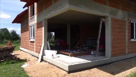 1. Ościeże narożnych drzwi balkonowych unoszono-przesuwnych HST w budynku jednorodzinnym