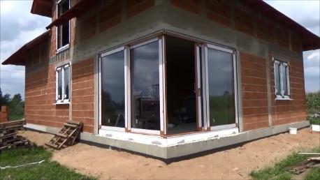 Narożne drzwi balkonowe unoszono-przesuwne HST