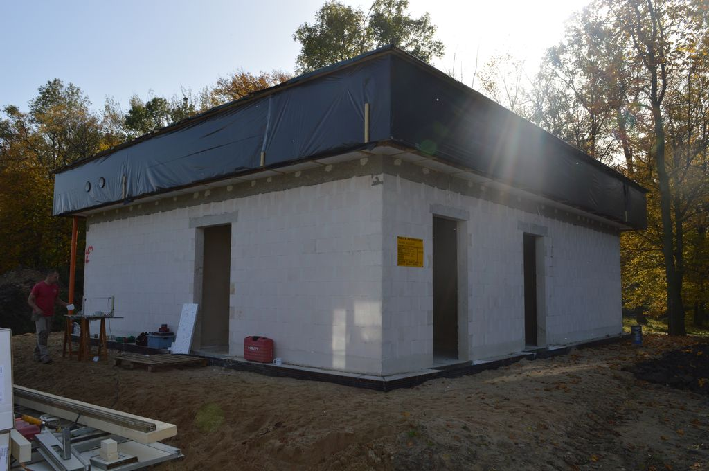 2. Jednorodzinny dom pasywny w Pogorzeli – elewacja północna i zachodnia