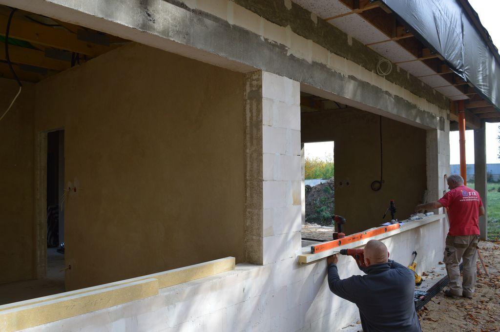 3. Jednorodzinny dom pasywny w Pogorzeli – ościeża okienne elewacja południowa