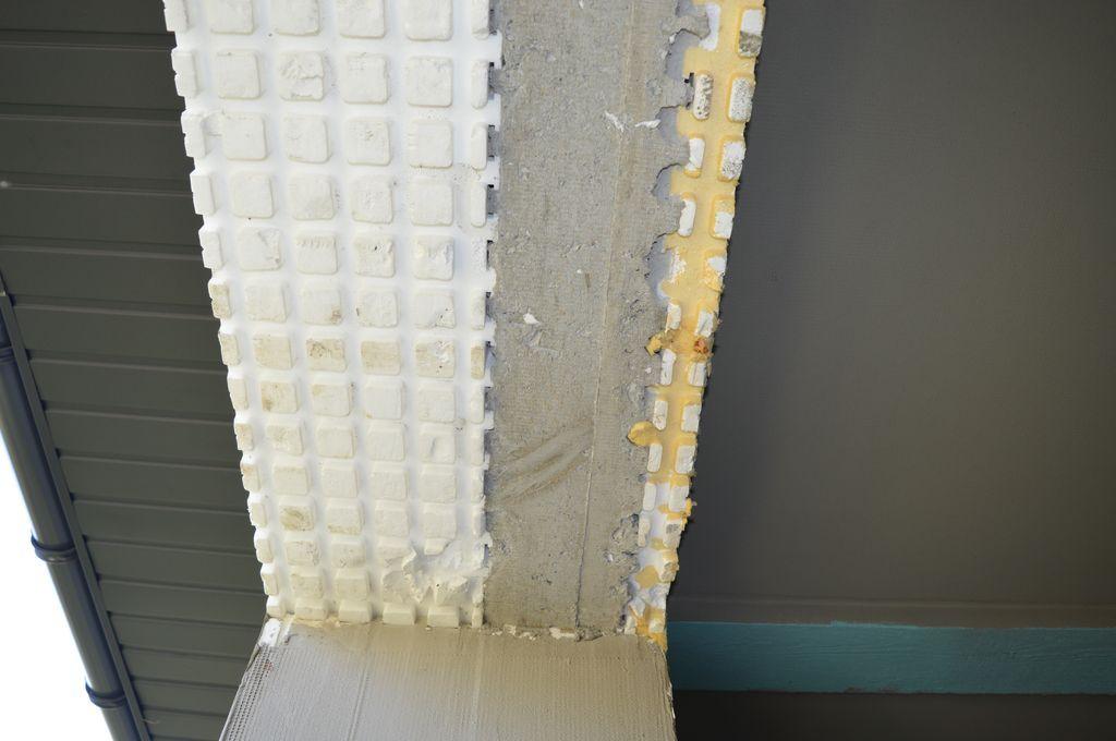 Element ściany konstrukcyjnej systemu IZODOM 2000 z rdzeniem betonowym