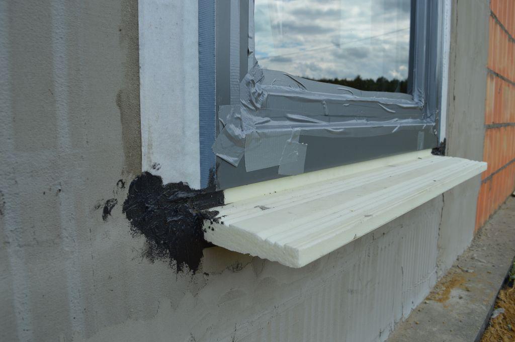 Zamontowane okno gotowe do badań szczelności montażu