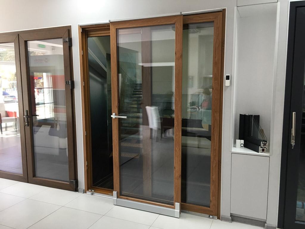 Drzwi balkonowe PSK odstawno-przesuwne częściowo otwarte