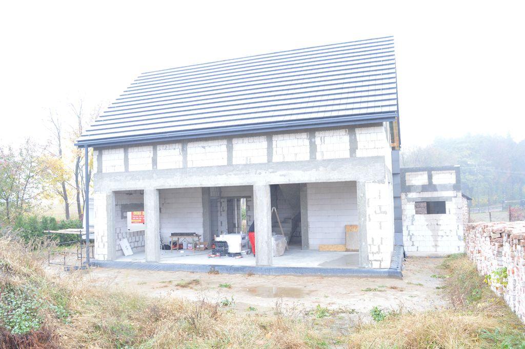 1.Budynek w stanie surowym otwartym. Ościeża w przygotowaniu do montażu okien w systemie CBM