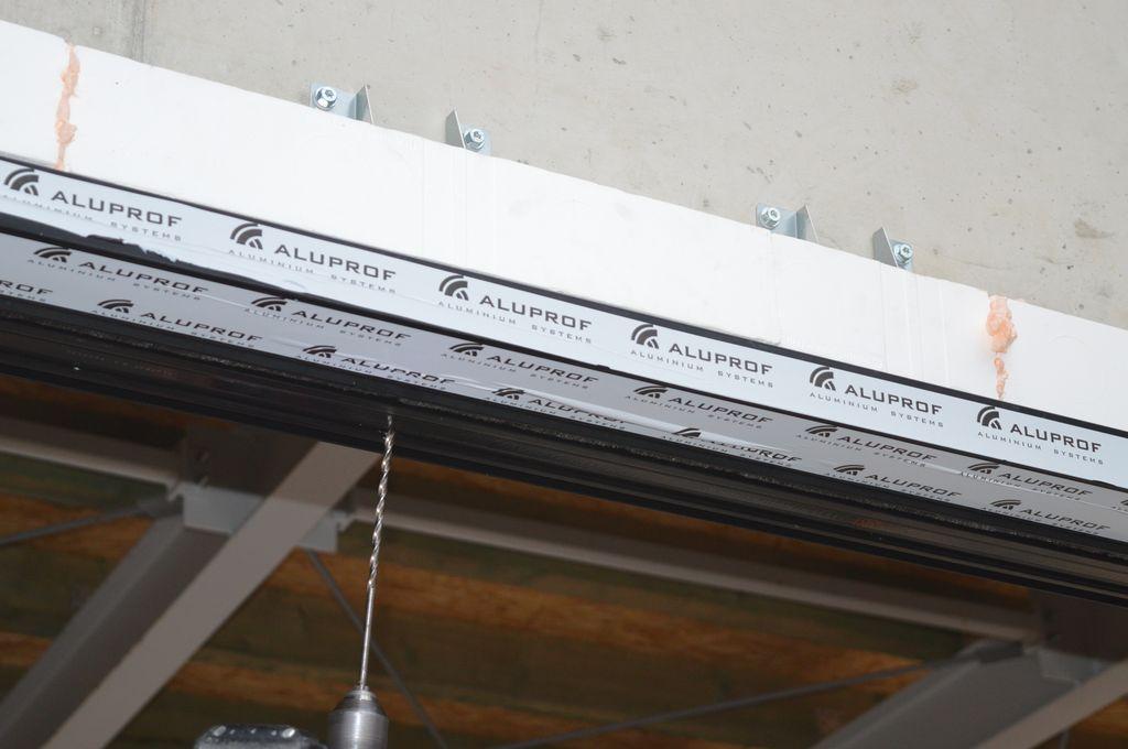 Ciepła Belka Montażowa, jako element mocowania mechanicznego w obrębie nadproża konstrukcji okiennej