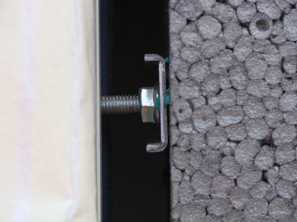 trzpieni śrub regulacyjnych łączników bocznych Knelsen