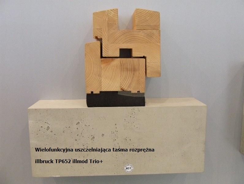 Uszczelnienie połączenia okna z ościeżem przy użyciu wielofunkcyjnej taśmy rozprężnej illbruck TRIO+
