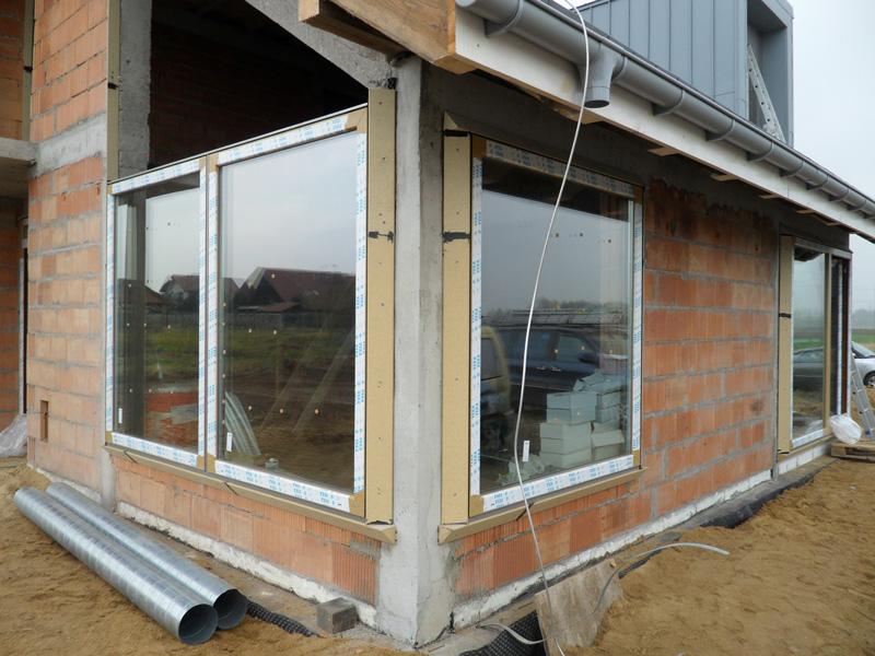 Montaż okna trapezowego w systemie MOWO - firma FIX