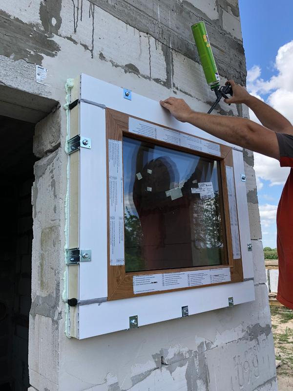 Montaż okna z wykorzystaniem profilu montażowego ECO-TERM
