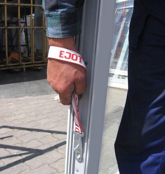 Pasek do noszenia okien EJOT w akcji