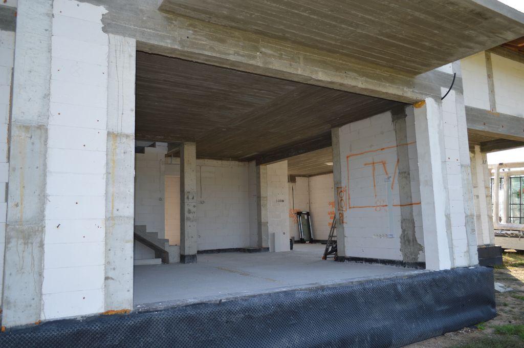 Otwór ościeża drzwi tarasowych HST widok od strony elewacji