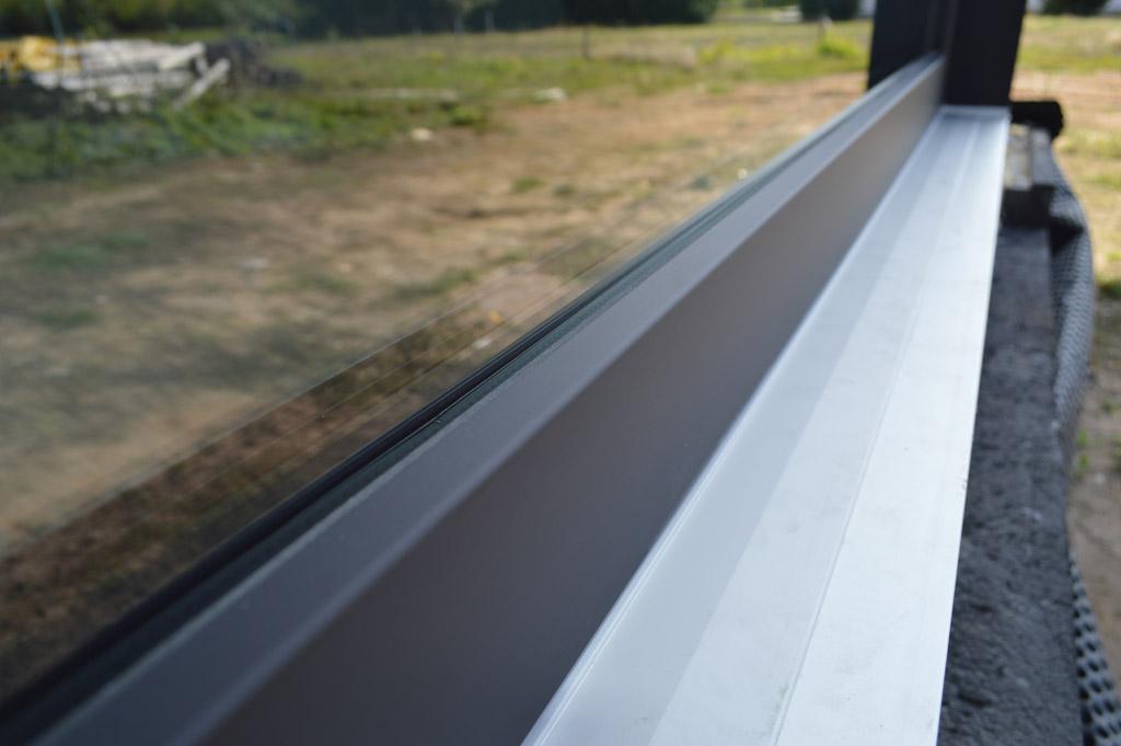 Okno w kolorze grafitowo czarnym ultramatowym