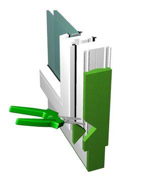 Wycinanie miejsca aplikacji kleju do montażu okien SP351 (płynnego klina okiennego) w taśmie rozprężnej