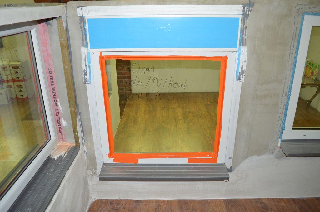 Przygotowany otwór wraz z oknem do próby sprawdzenia szczelności połączenia okna z ościerzem
