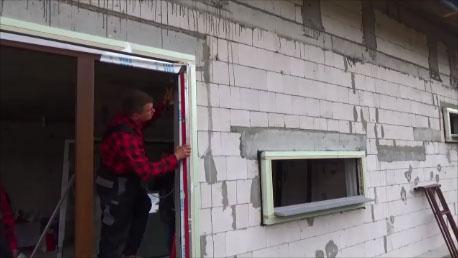 Osadzenie ramy ościeżnicy okna w ramie nośniej Iso-Top Winframer