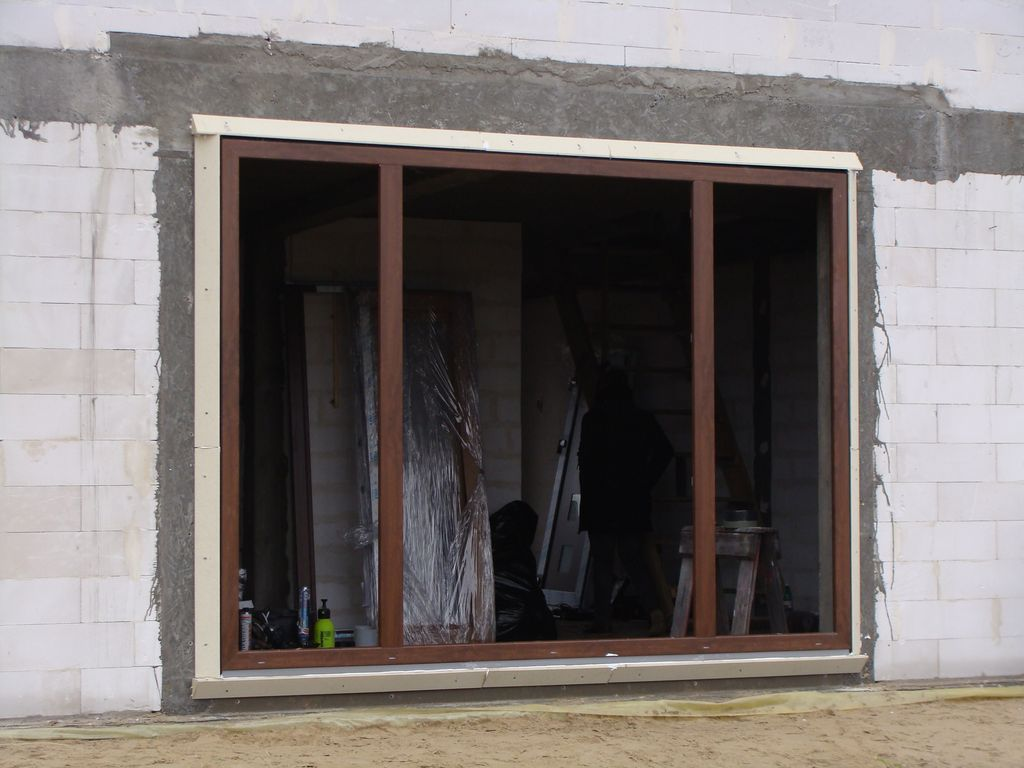Montaż okien MOWO gotowa rama nośna zestawu balkonowego
