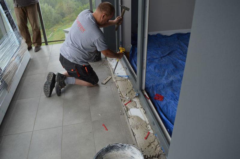 Skuwanie progu drzwi balkonowych uchylno-przesuwnych (HKS)