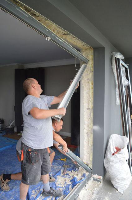 Demontaż ramy ościeżnicy drzwi balkonowych uchylno-przesuwnych (HKS)
