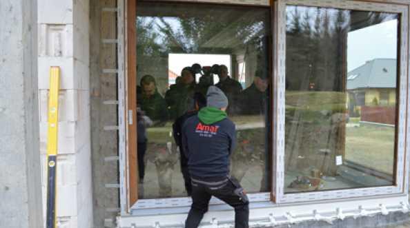 AMAR – montaż drzwi balkonowych HST na niesystemowych podporach stalowych