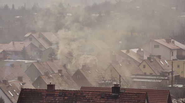 """""""Czyste powietrze"""", czy okna mogą pomóc w walce ze smogiem?"""