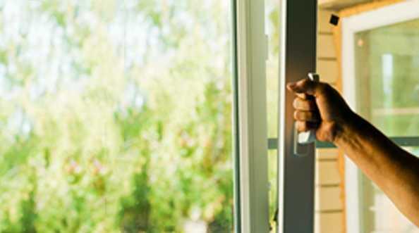 Odporność okna PCV na wielokrotne zamykanie i otwieranie