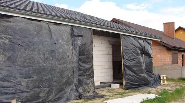 Szczelny montaż okien PVC w warstwie ocieplenia