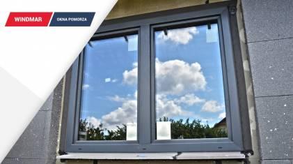 Montaż okien w domu szkieletowym o stalowej konstrukcji