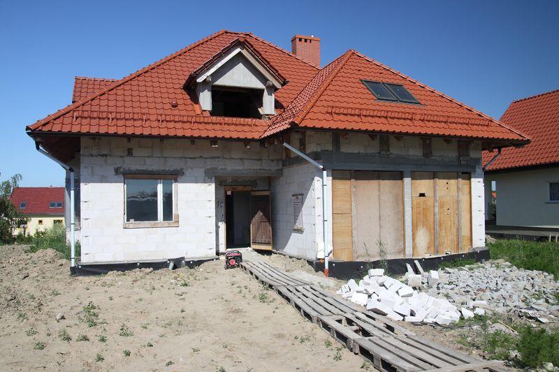 budowa jednorodzinnego budynku mieszkalnego