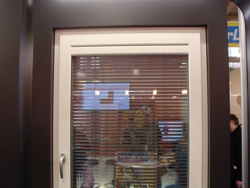 Okno DIMENSION 4 wewnętrzny szpros maskujący